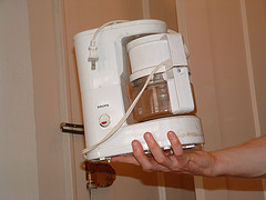 Eine Kaffeemaschine mit Essig entkalken - so geht´s