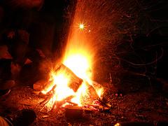 Ein Lagerfeuer machen - das sollte man beachten
