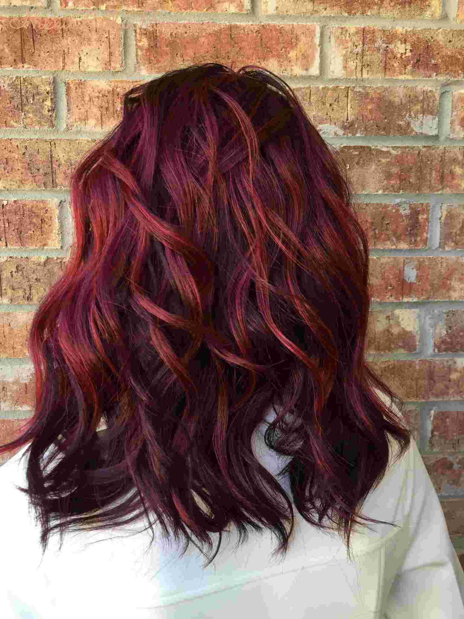 Balayage Rot Haartrend Kirschrot Haarfarbe welcher Hautton Frisurenideen Frauen