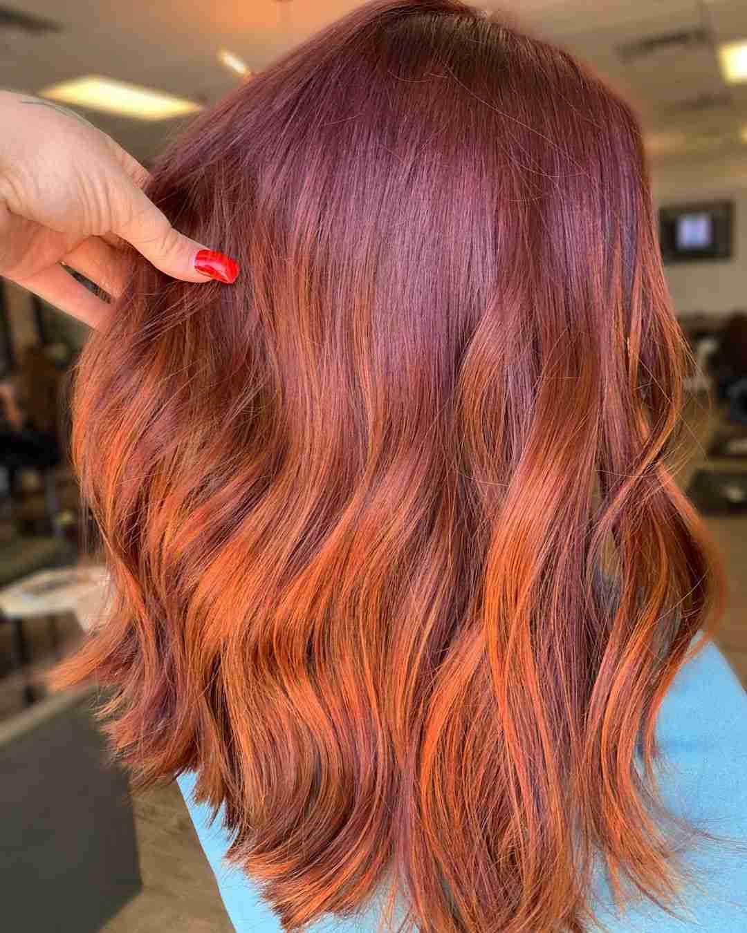 Balayage Rot Karamell Kupfer Strähnen auf braune Haare
