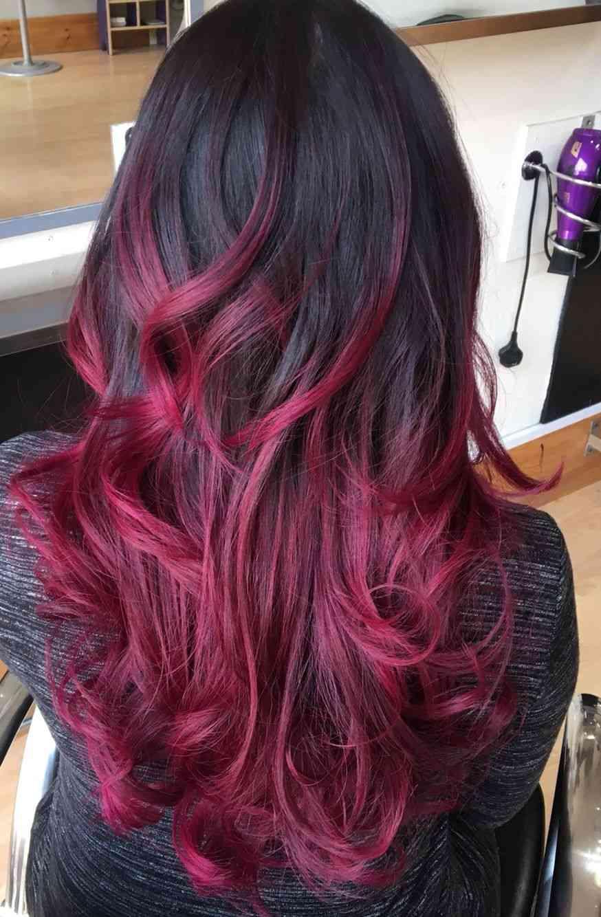 Balayage Rot Schwarz Haartrend Rotwein Haarfarbe welcher Hautton