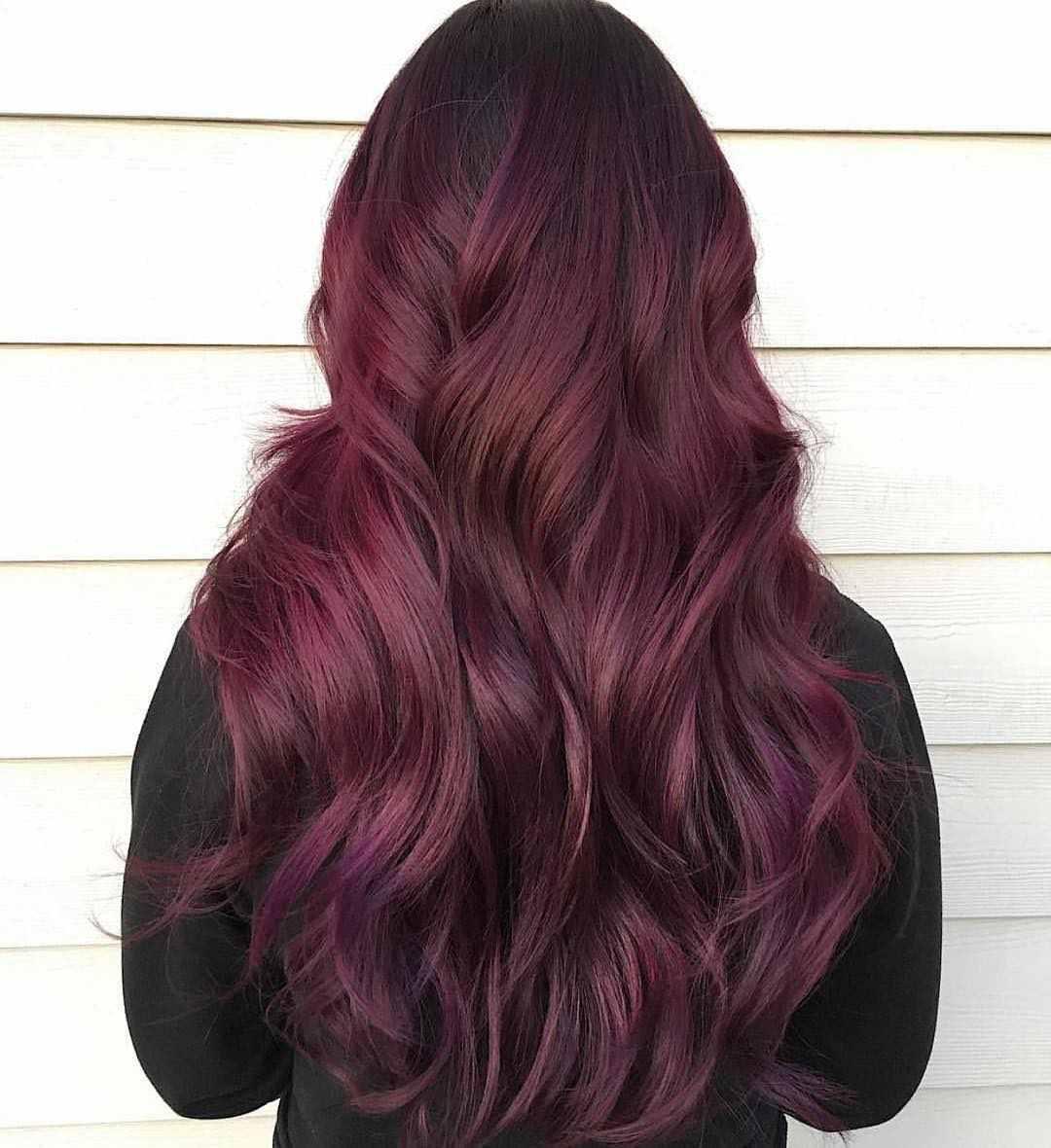 Burgunderrot Haarfarbe Strähnen auf braune Haare Haartrends Damen