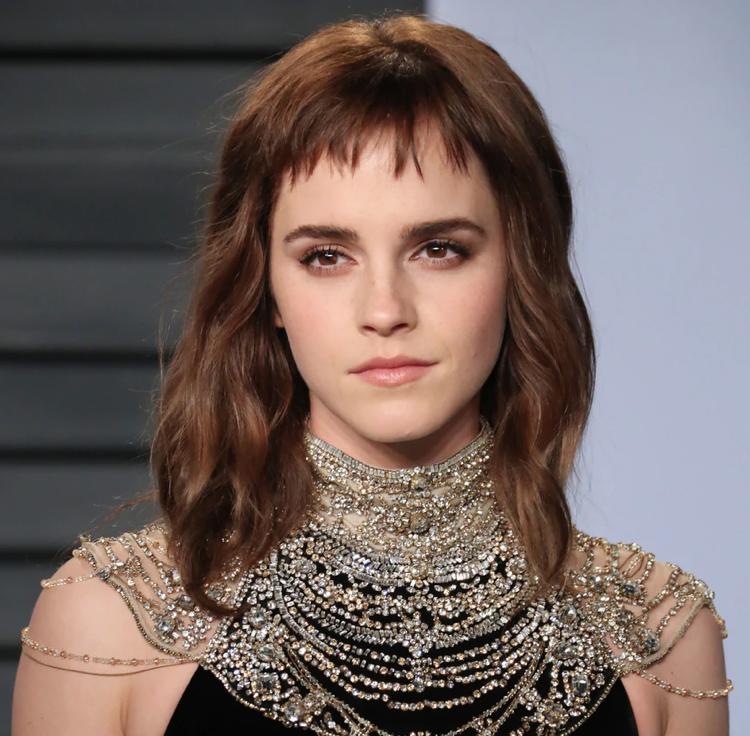 Emma Watson kurzer Pony mittellange Haare ovale Gesichtsform