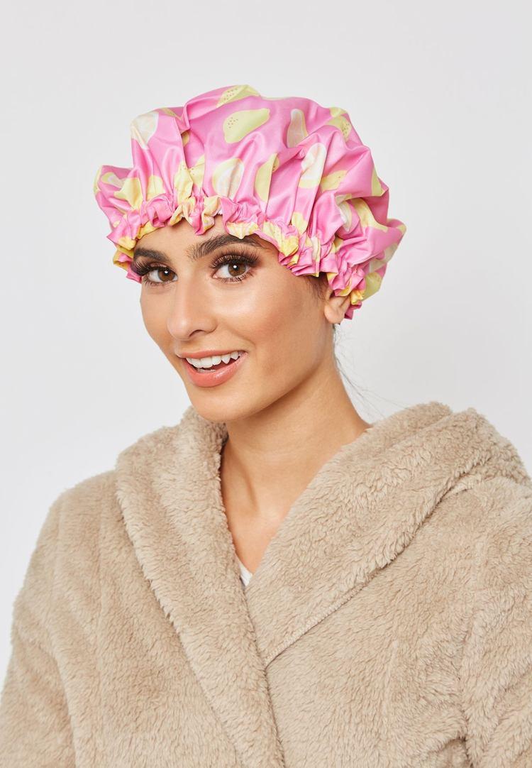 Feuchtigkeit für die Haare intensiv wirkende Haarmaske selber machen Wärme durch Duschhaube