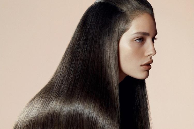 Feuchtigkeit in die Haare bekommen Hausmittel
