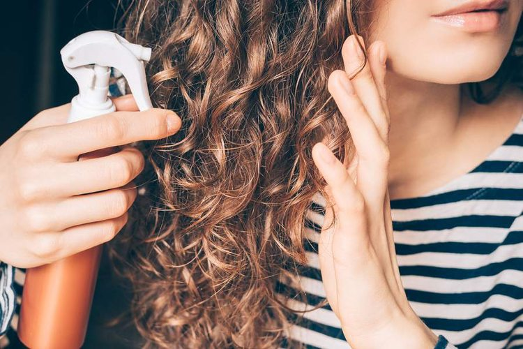 Feuchtigkeitsspray Hausmittel Öle und Aloe Vera