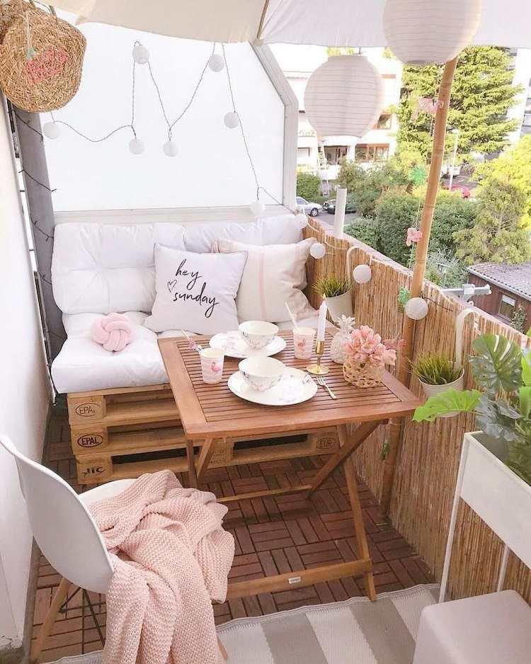 kleine Lounge Ecke Balkon Gestaltungsideen Balkonmöbel Trends