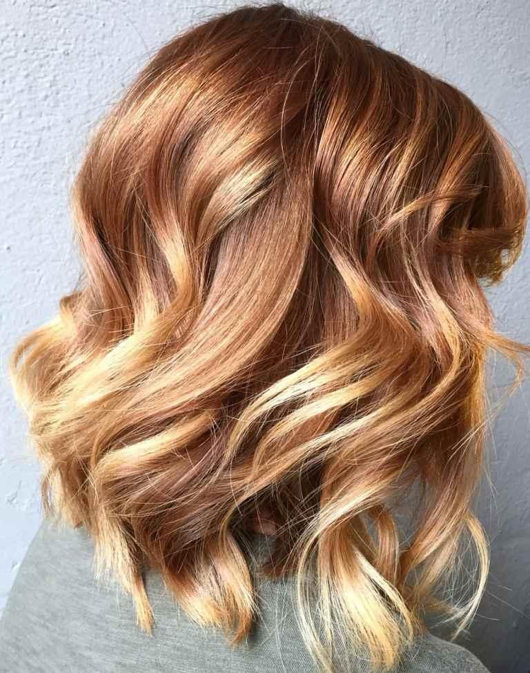 Kupferrot Strähnen auf blonde Haare Pflegetipps Haarfarbe Trends 2019