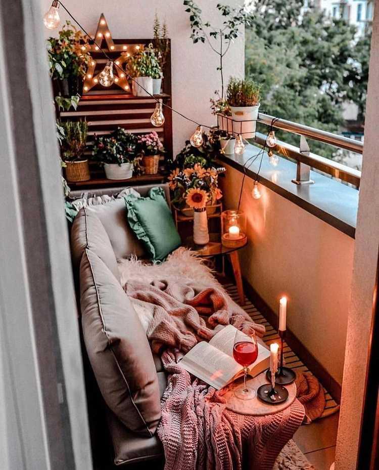 langen schmalen Balkon gestalten Balkonmöbel selber bauen