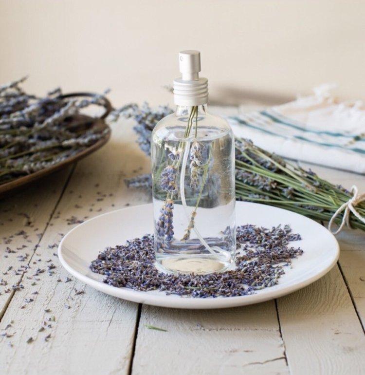 Lavendelspray selber machen ohne Alkochol Rezept