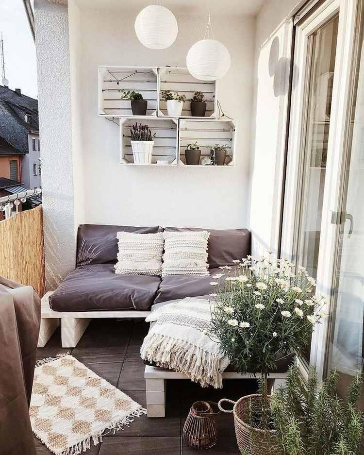 Liege für kleinen Balkon Sofa aus Paletten selber bauen