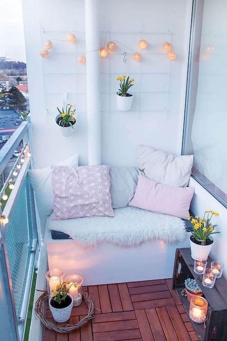 Liegefläche für kleinen Balkon Palettenmöbel selber bauen