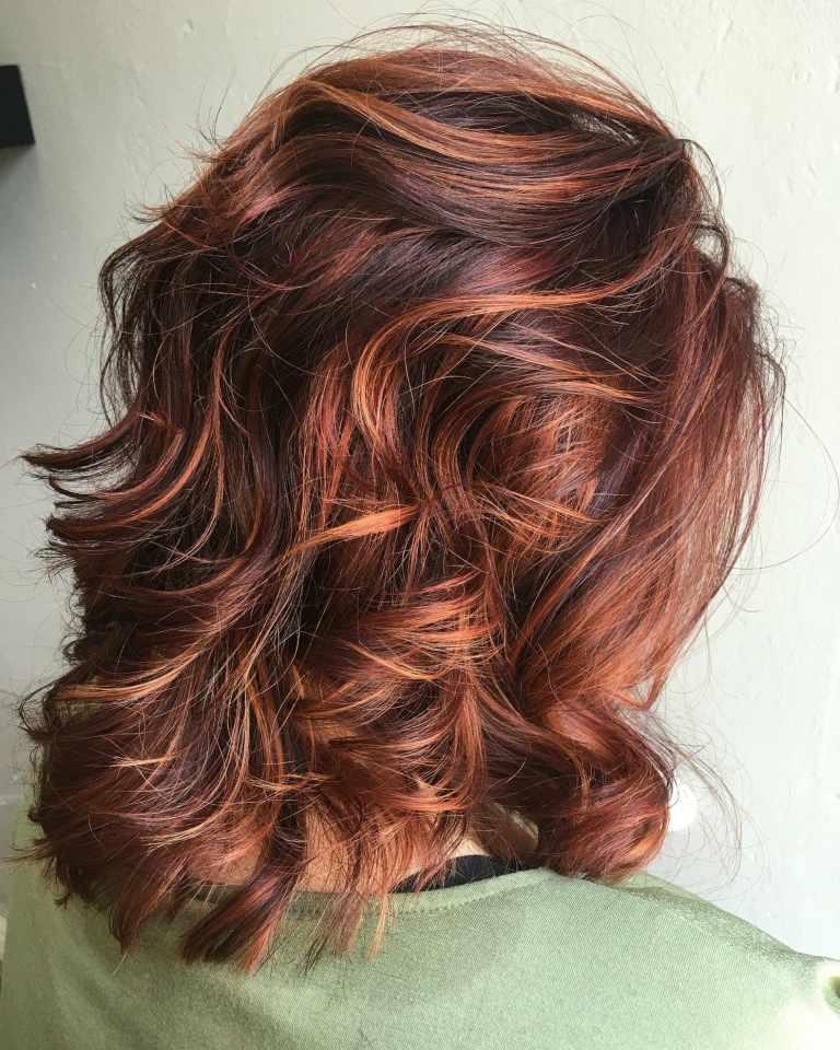 Long Bob Haarschnitt stylen Kupferrot Haarfarbe Balayage Ideen