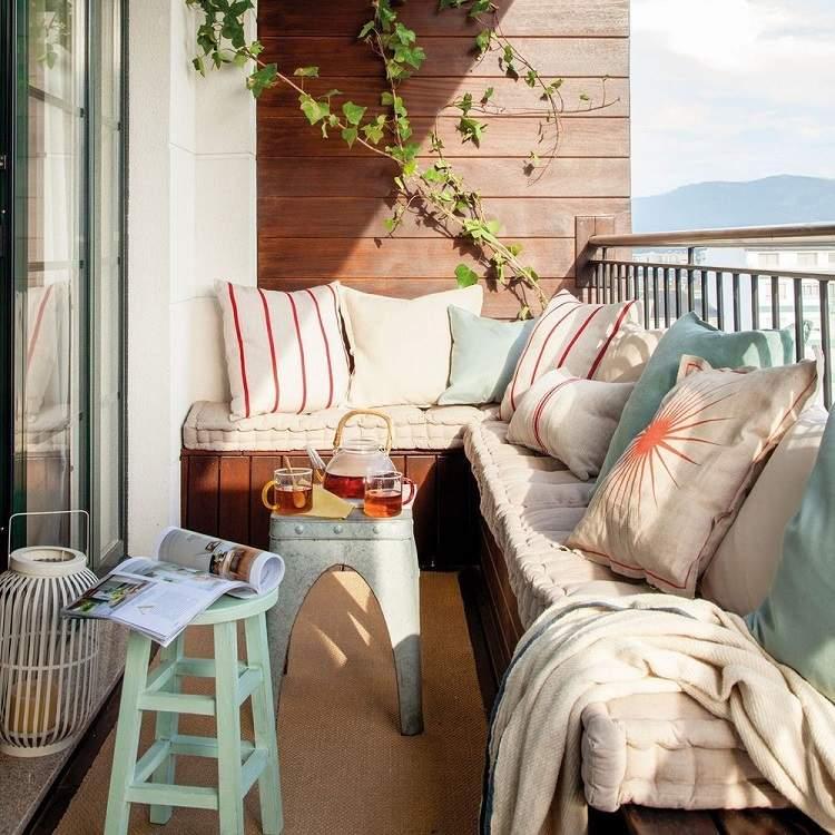 Lounge Möbel kleiner Balkon Palettensofa selber bauen DIY Anleitung