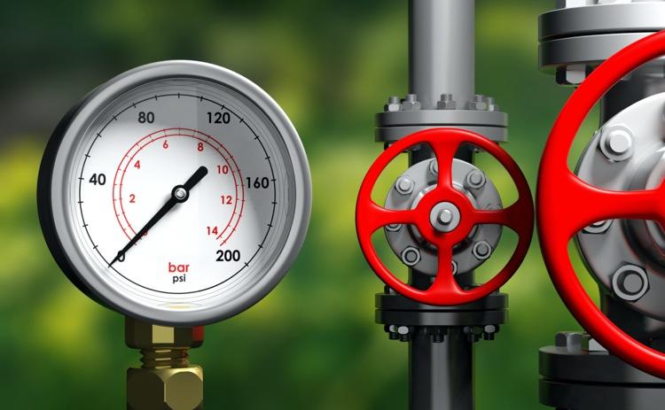 Niedrigen Wasserdruck im Haus mit einem Manometer messen