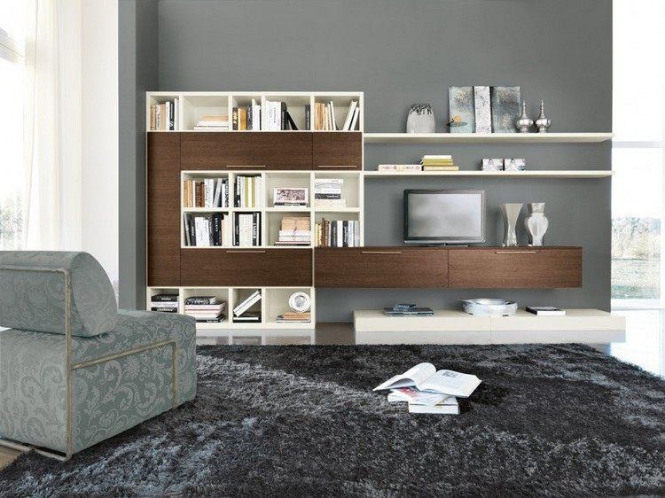 schrankwand-wohnzimmer-ecru-regale-dunkles-holz-fronten-graue-wandfarbe